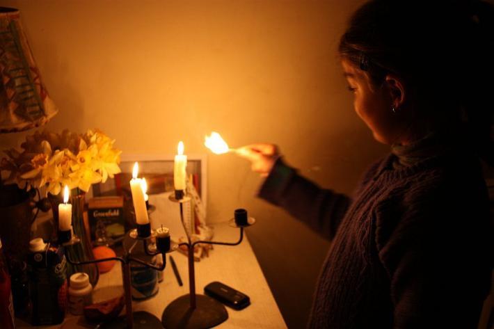 Отключение света превратило Крым в настоящий остров, одиноко блуждающий в штормящем море