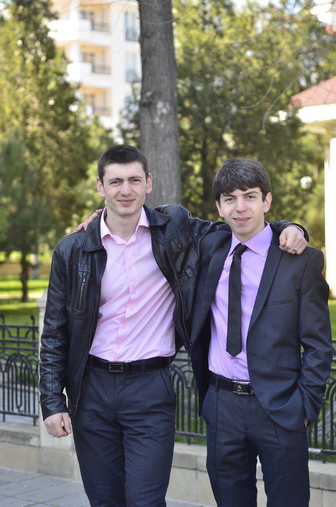 -с братом Бекиром