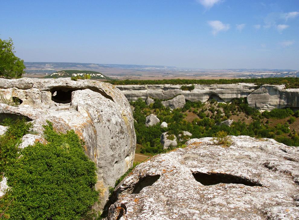 esky-kermen-cave-town-in-crimea-ukraine