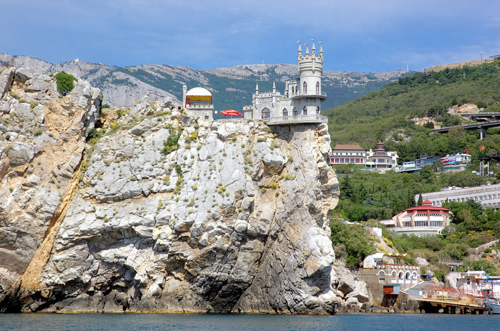 swallows-nest-castle-crimea-ukraine