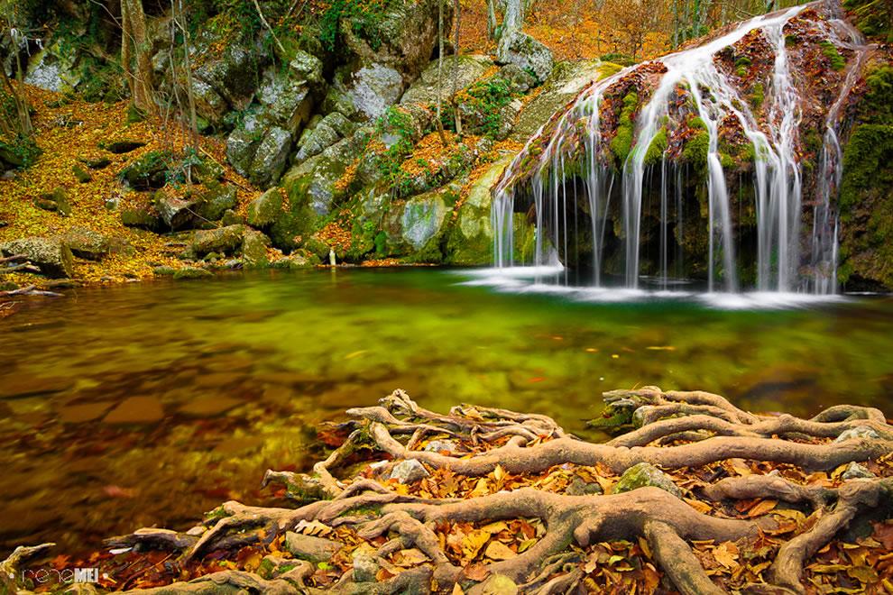 waterfall-in-crimea-ukraine