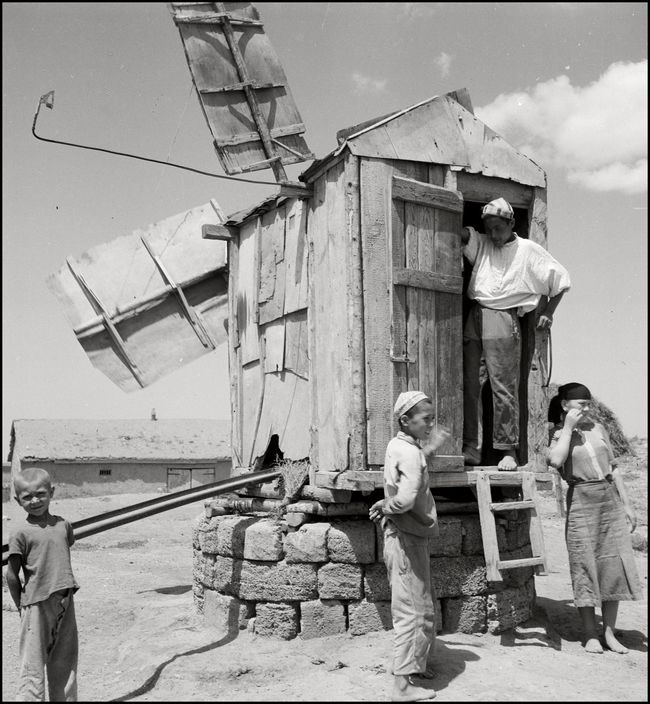 UKRAINE. 1943. Tartar Boys during Harvest at a well. M-UK-DNE-027