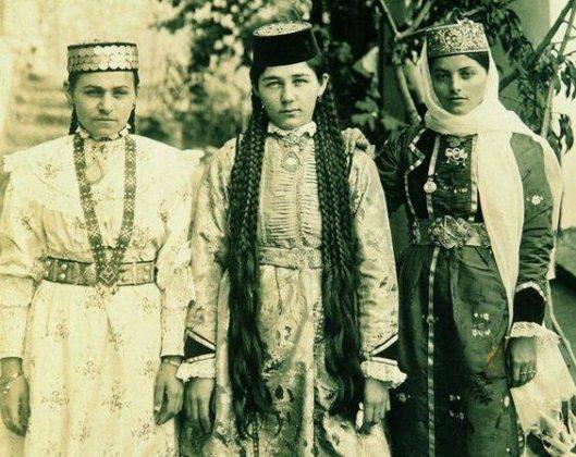 крымские татарки, косы