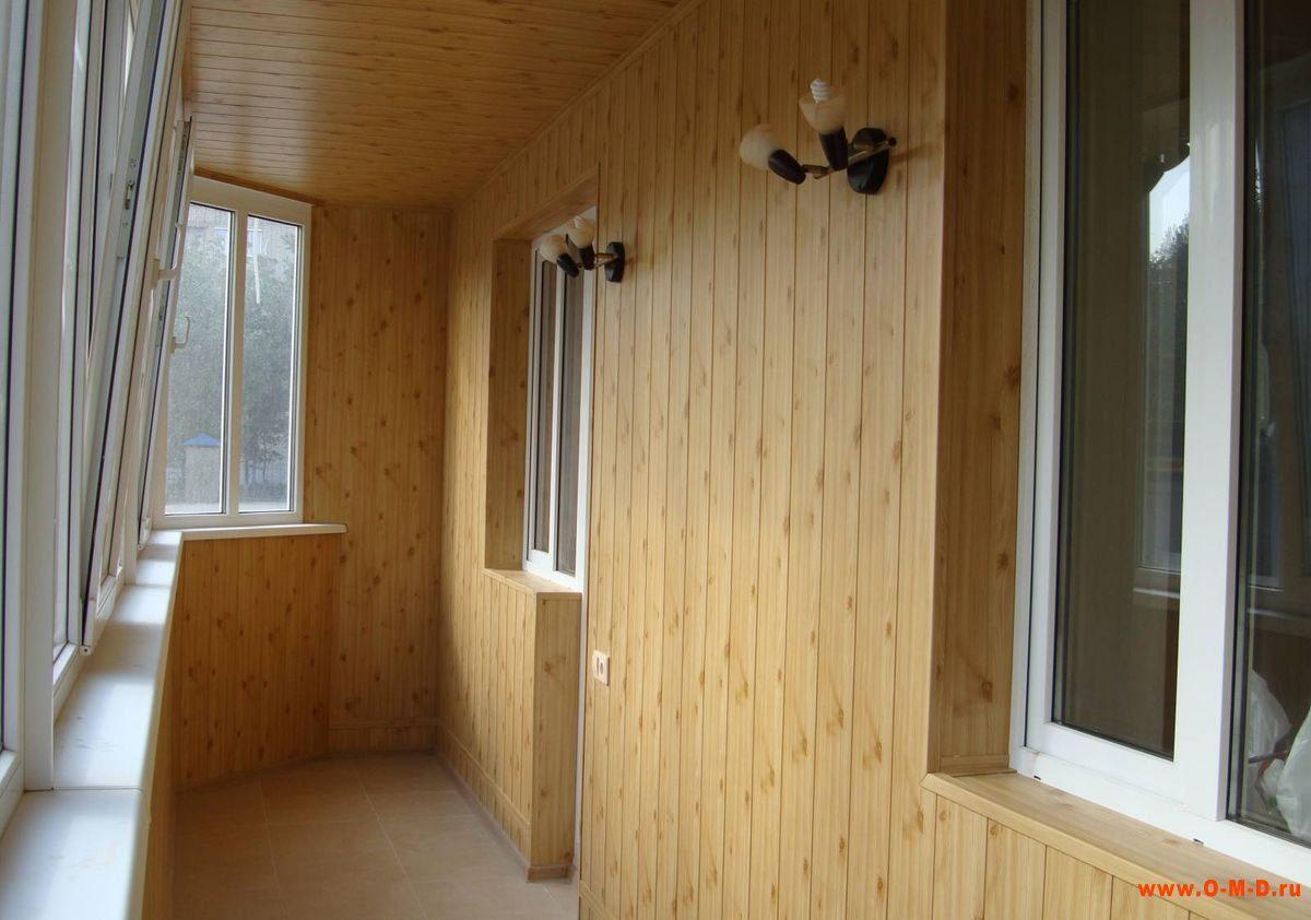Внутренняя отделка балкона: вагонка или панели?