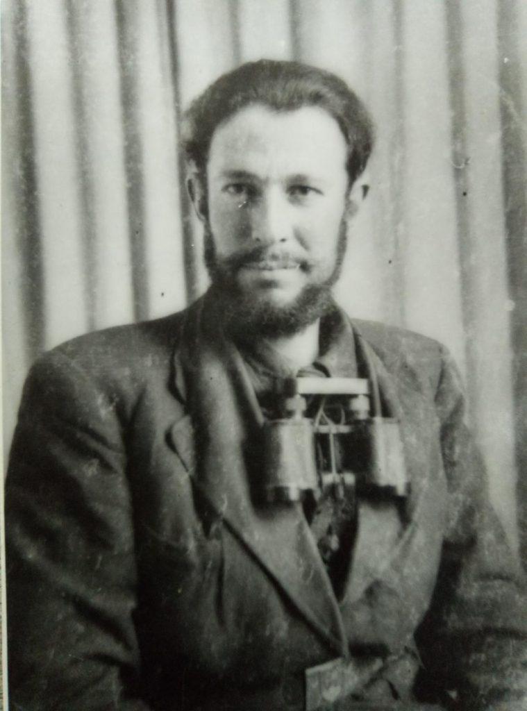 Эннан Бекаев в партизанском отряде в Чехославакии. 1942 г.