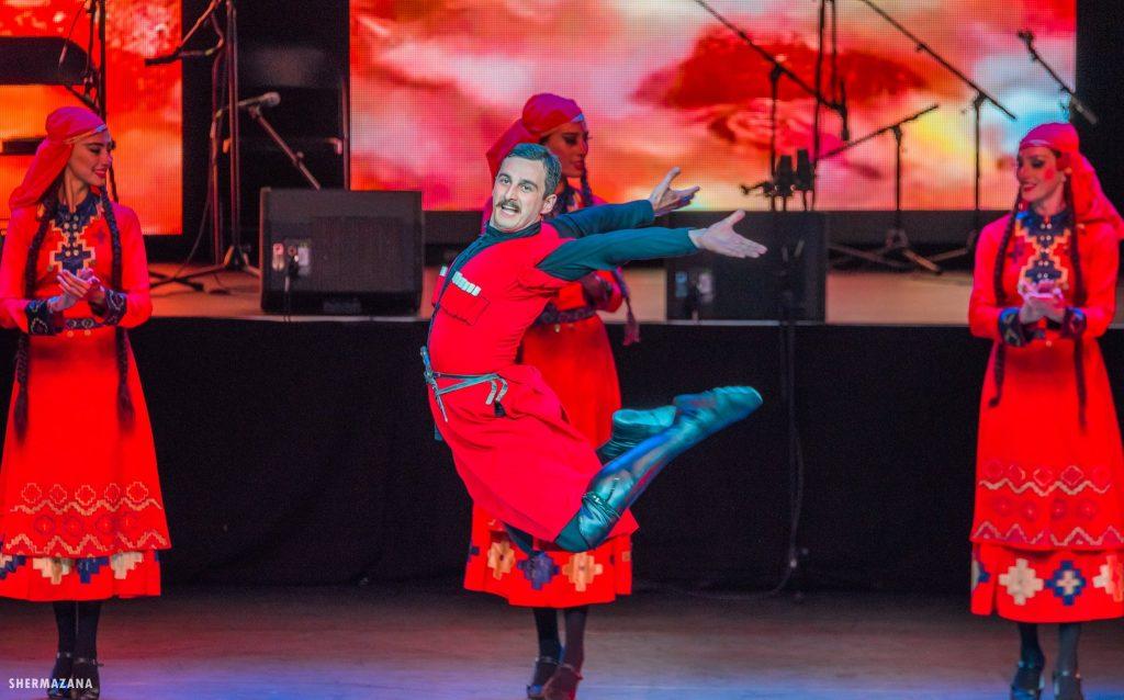 Зажигательный грузинский танец