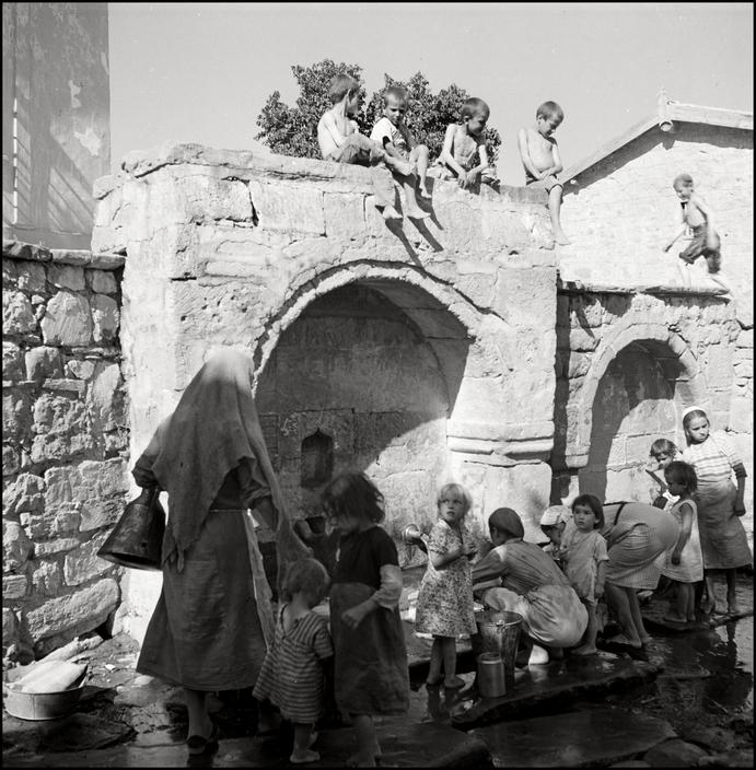 UKRAINE. Crimea. 1943. Well in a Tartan Village. M-UK-VOR-004