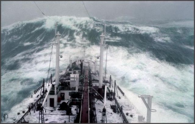 Ship in a storm 1977 (13)