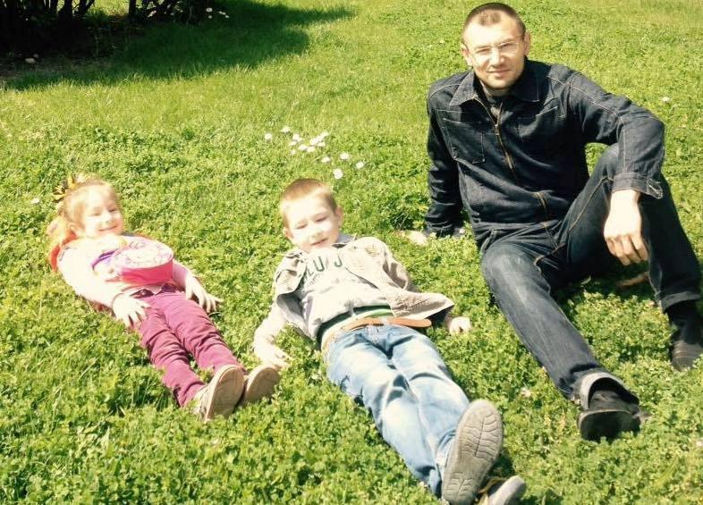 ВКрыму оккупанты преследуют детей заключенного правозащитника
