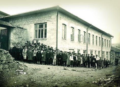 krymskaya-oblastnaya-tatarskaya-hudozhestvenno-promyshlennaya-shkola