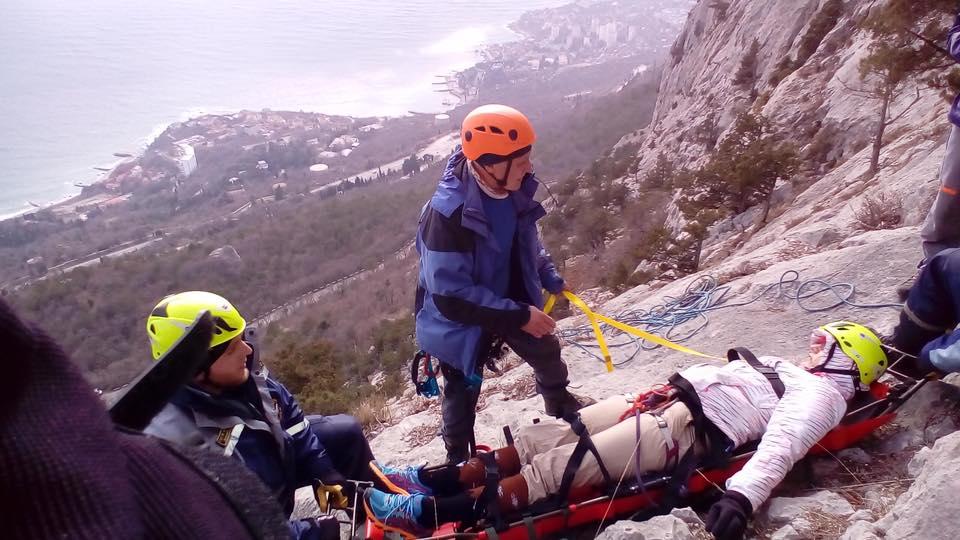 Москвичка выжила, упав с20 метров вгорах Крыма