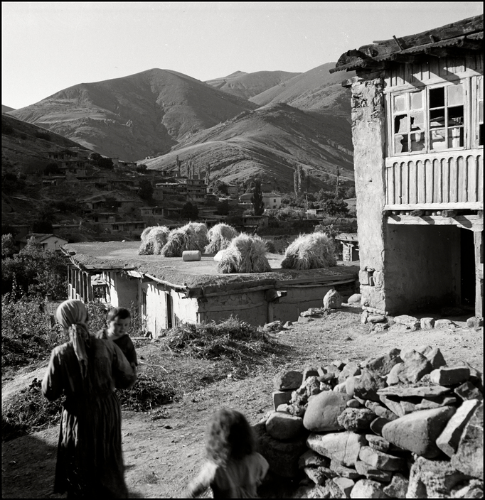 UKRAINE. Crimea. 1943. Tartan Village. L-UK-KUT-004
