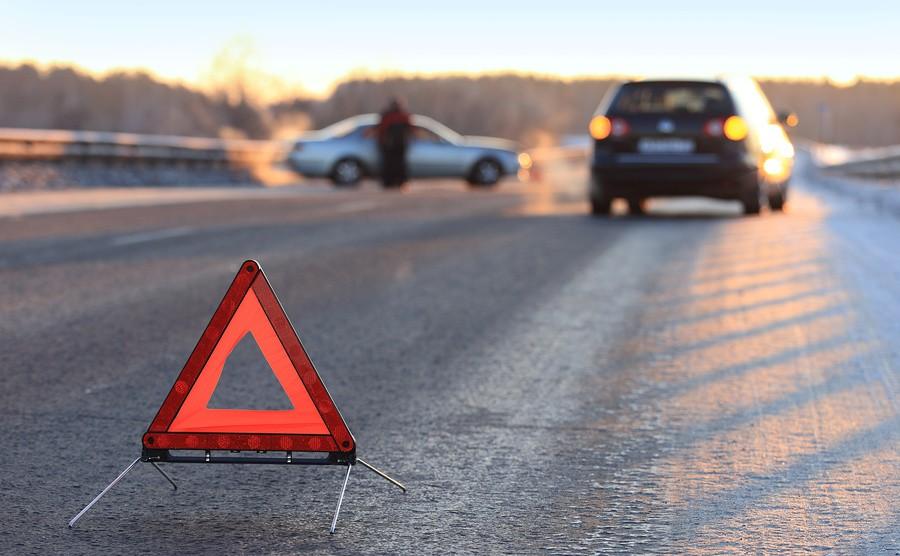 На Львівщині вантажний автомобіль злетів у річку, водій та пасажир загинули