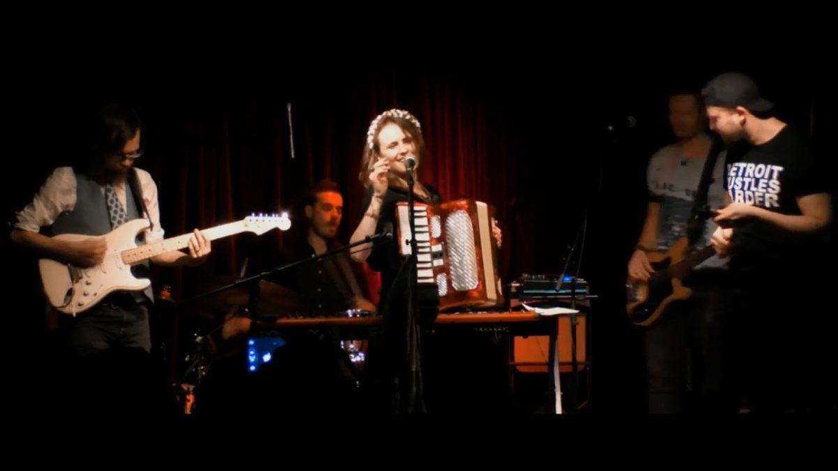Канадский джаз-бэнд перепел крымскотатарскую народную песню