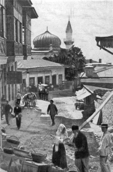Фотография Василия Сокорнова. Базар в Алупке, 1912 год.